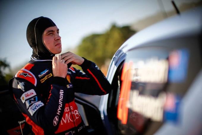 WRC – Paddon tiene duro