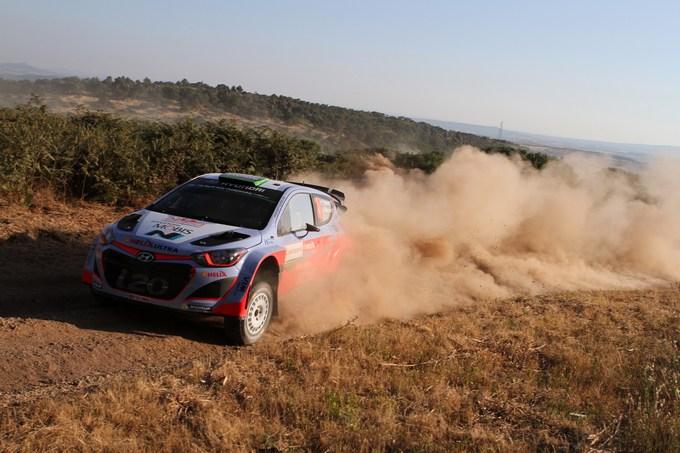WRC – Hyundai in testa dopo le prime cinque speciali sarde