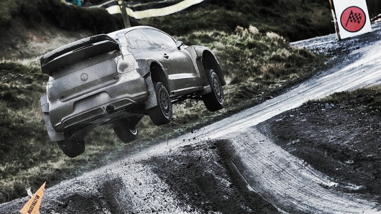 WRC – Ogier scatenato in Gran Bretagna