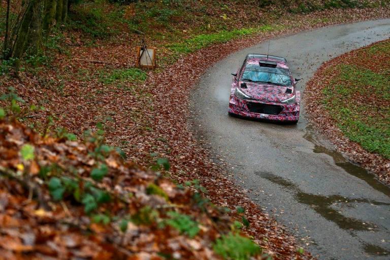 WRC – Per Hyundai test con le auto 2015 e 2016