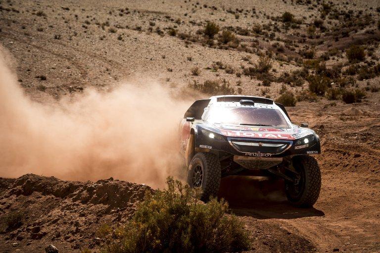 Dakar 2016 –  Peugeot vince la 7° tappa con Sainz