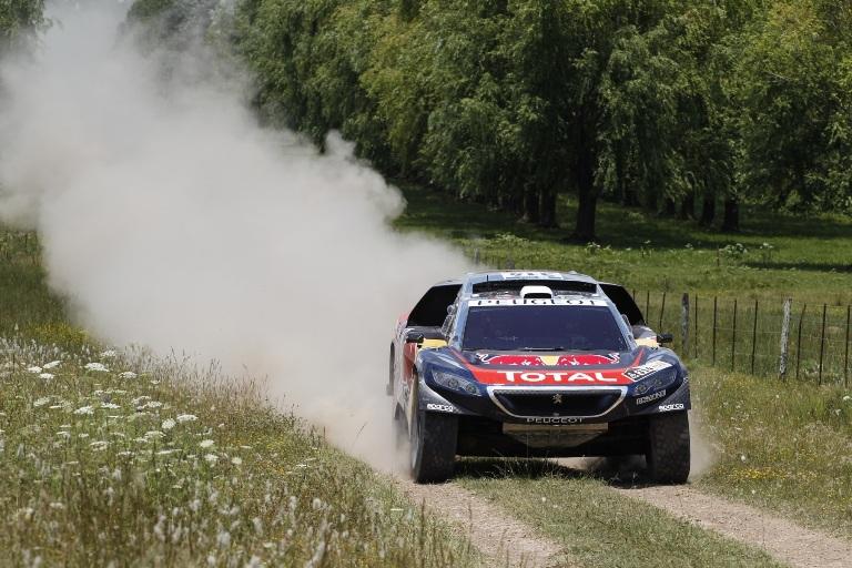 Dakar 2016 – Il Team Peugeot Total ai blocchi di partenza