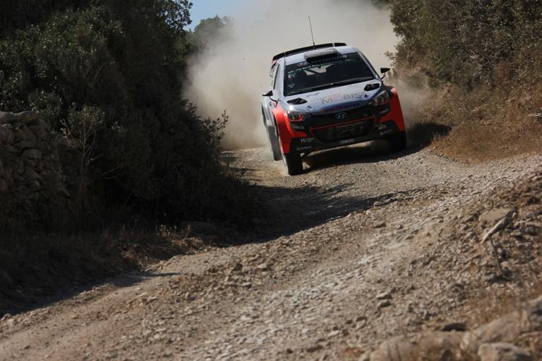 WRC – Navigatrice per un giorno: In Sardegna con Neuville sulla i20