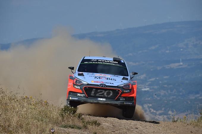 WRC – Neuville si mantiene al comando del Rally di Sardegna