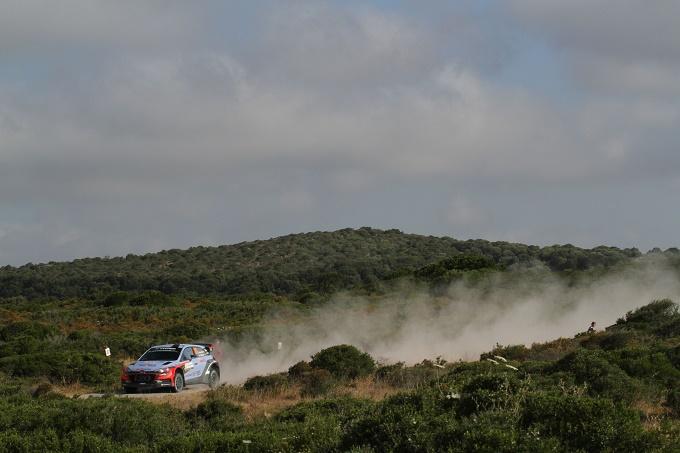 WRC – Rally di Sardegna, Neuville non molla
