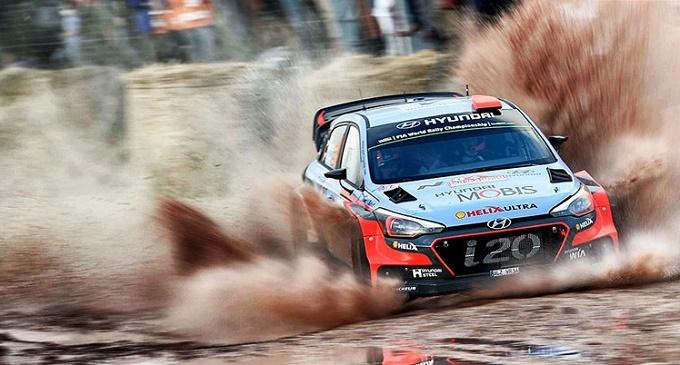 WRC – L'Italia è di Neuville