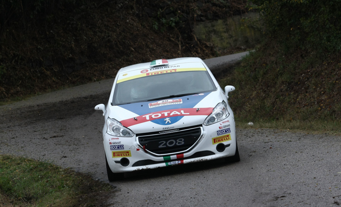 """Giuseppe Testa: """"Correre per la squadra ufficiale di Peugeot Italia è molto stressante ma mi aiuta a capire quando posso spingere e quando devo amministrare"""""""