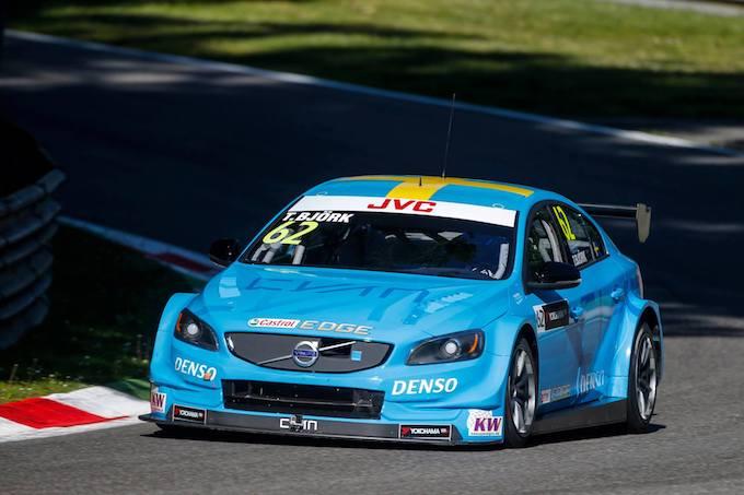 WTCC | Monza, Gara 2: Björk e Volvo alla prima vittoria stagionale