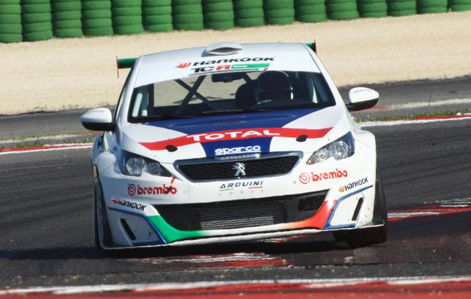 "Peugeot – La 308 Racing Cup e Stefano Accorsi ospiti del programma ""Back"""