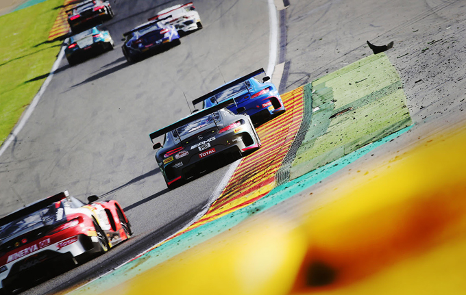 Blancpain GT Endurance Cup – Barcellona, Pirelli: pronti gli pneumatici P Zero DHD per la griglia numerosa