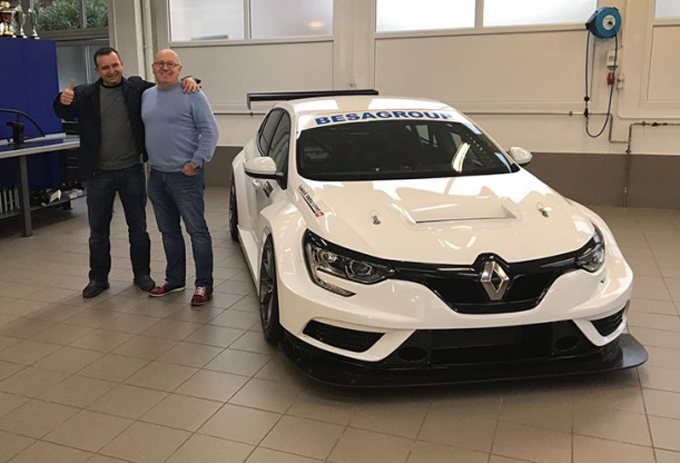TCR – BESA Group acquista due Renault Mégane TCR