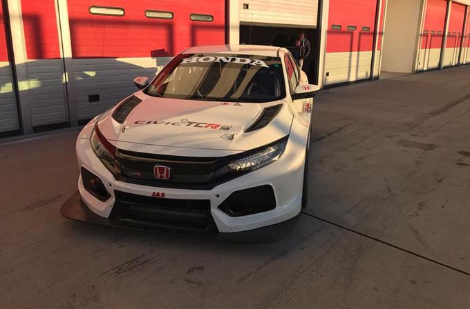 TCR – Lessennes e Altoè alla prova della nuova Honda Civic Type R TCR ad Adria