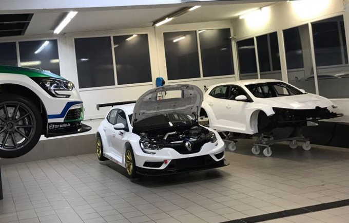ADAC TCR – Renault Megane TCR: Wolf Power Racing acquista due telai
