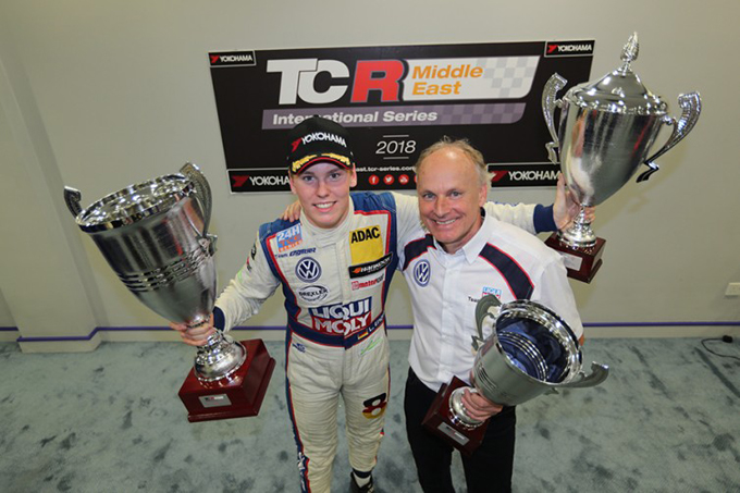 TCR Middle East – Luca Engstler vince il titolo