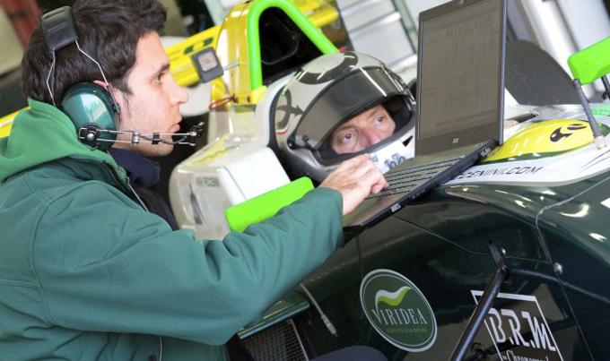 Peccenini in pista con la Formula Renault 2.0 a Navarra