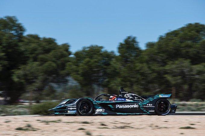 Formula E | Jaguar svela la livrea della I-Type 3 in azione