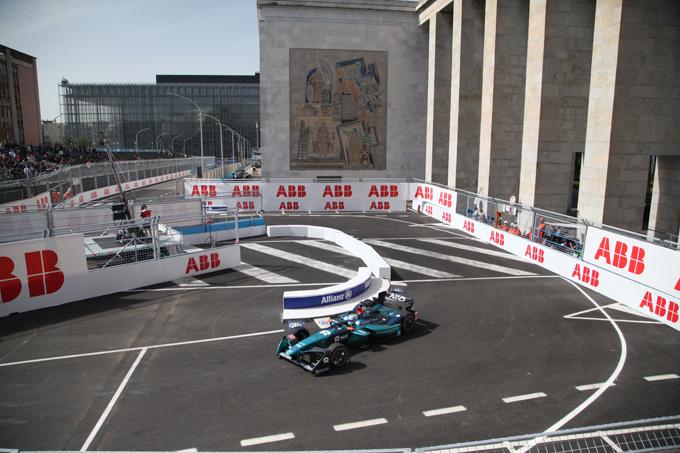 Formula E – Roma | Virginia Raggi e Alejandro Agag annunciano direttamente dal palco il rinnovo del contratto