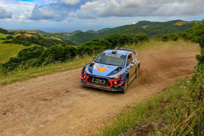 WRC | Neuville vince il duello con Ogier e conquista il Rally Italia Sardegna 2018