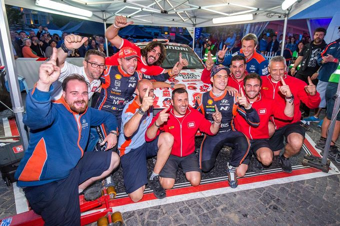 BRC Racing Team conquista l'Ypres Rally 2018 con Thierry Neuville