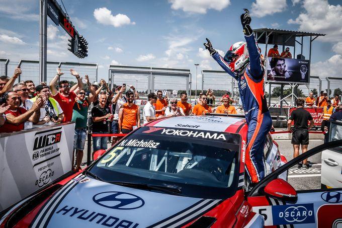 WTCR | Il trionfo esagerato di BRC Racing Team in Slovacchia