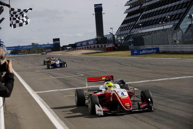 FIA F3 | Schumacher conquista il Nurburgring e incombe su Ticktum