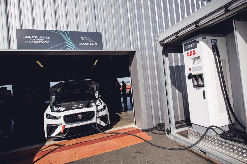 Jaguar I-PACE eTrophy | Svelati i primi nomi, piloti e team già in pista a Silverstone