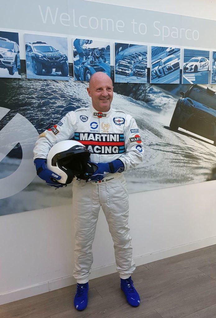 Sparco celebra il trentennale della vittoria nel WRC di Biasion con la tuta celebrativa