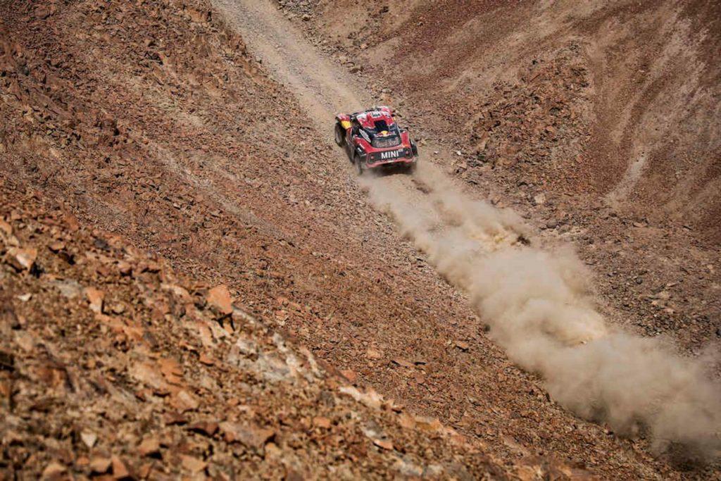 Dakar | Il punto sulle auto: rialza la testa Peterhansel, crolla Loeb. È duello Toyota-Mini