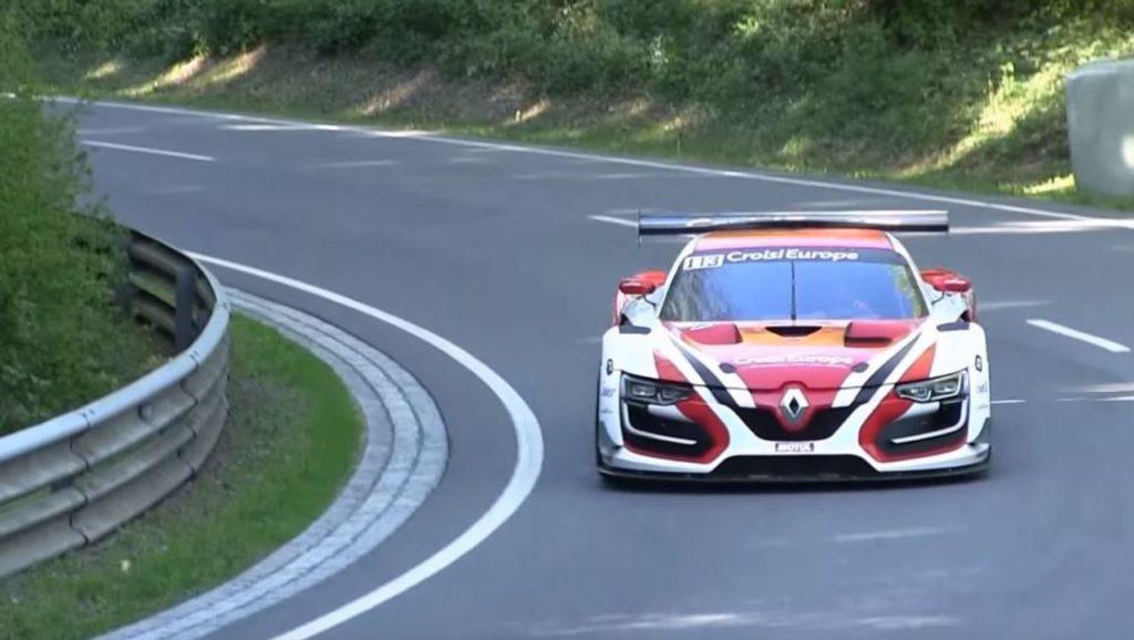 La Renault RS01 in azione nella cronoscalata di Eschdorf [VIDEO]