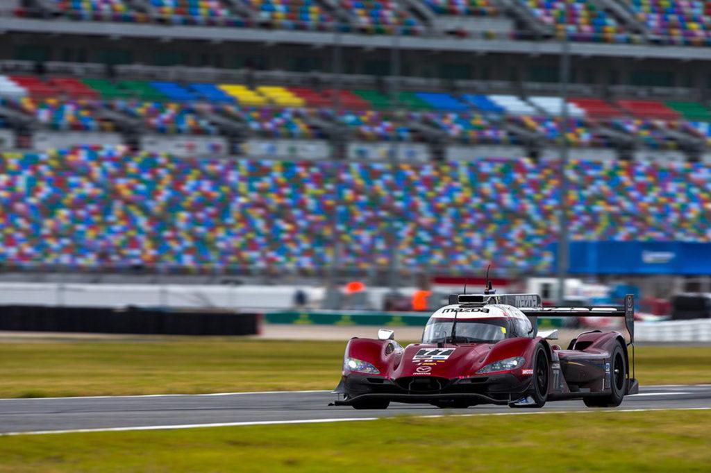IMSA | 24 Ore di Daytona, Qualifiche: Jarvis e Mazda pole con record