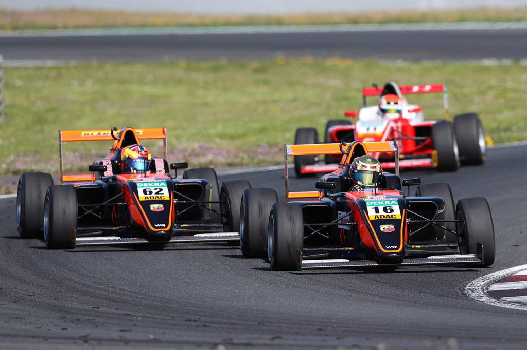 Abarth rinnova l'impegno nella Formula 4 italiana e tedesca fornendo i motori