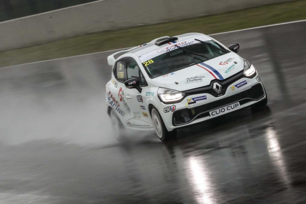 Clio Cup Italia | Ferri s'impone sotto la pioggia in Gara 1, Jelmini trionfa in Gara 2