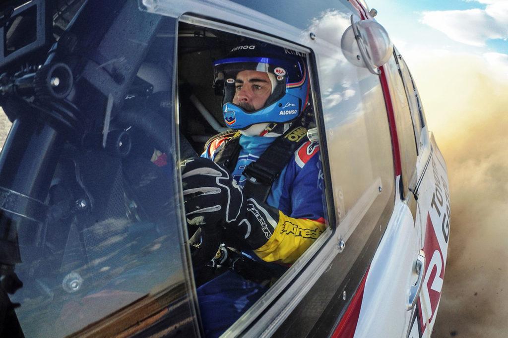 Dakar | Alonso assaggia la corsa dei Faraoni sulla Toyota Hilux