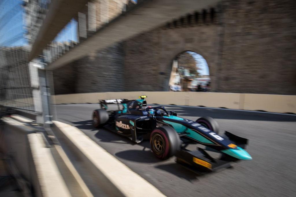 FIA F2 | Baku, Gara 2: il caos premia Latifi, Ghiotto contro le barriere