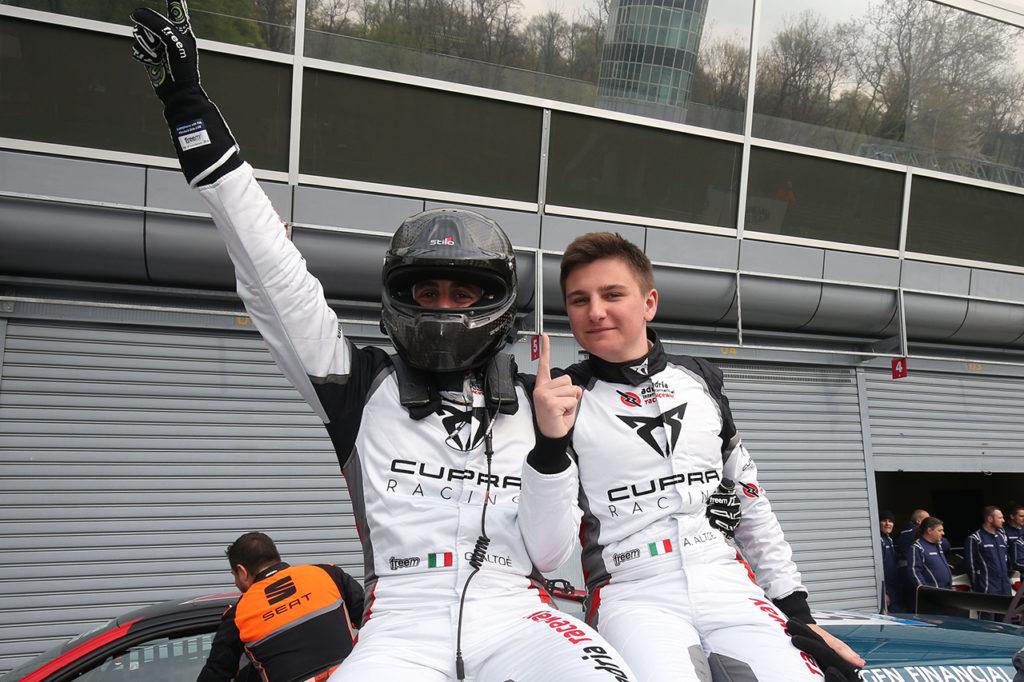 TCR DSG Endurance | Monza, Gara: Giovanni e Alessandro Altoè firmano il primo successo