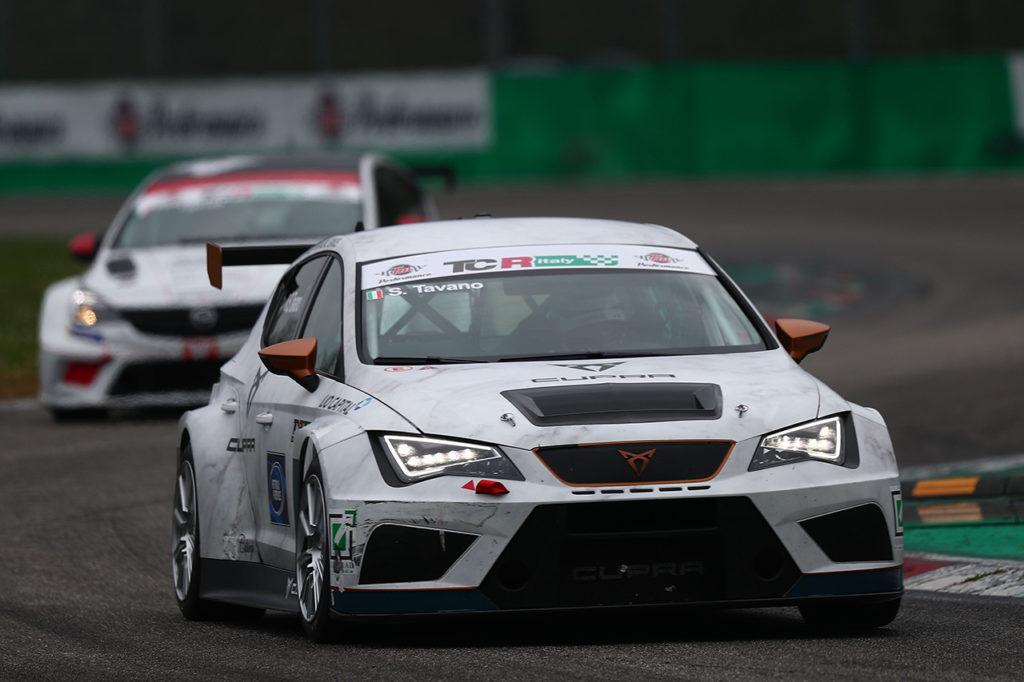 TCR Italy | Monza, Gara 1 e 2: la vittoria a Gavrilov e Bettera, a Tavano la vetta