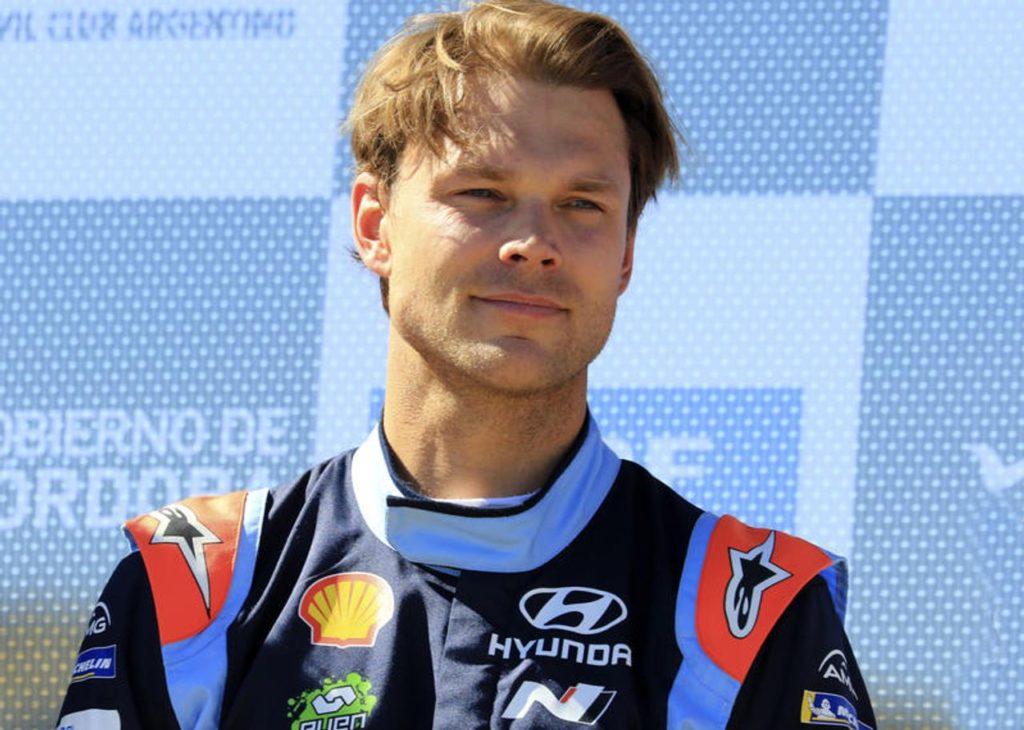 WRC | Rally Cile, Mikkelsen sulla cresta dell'onda: primo posto nello shakedown [VIDEO]