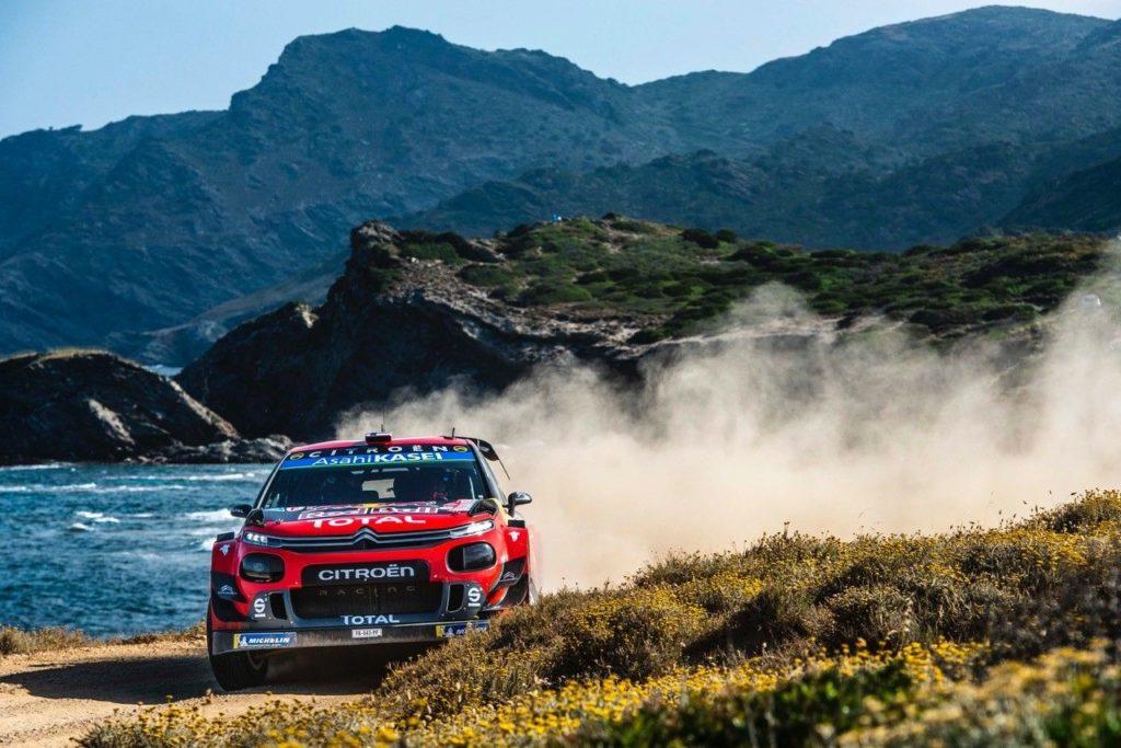 WRC | Il weekend da incubo per Citroen al Rally Italia Sardegna, ma Ogier ancora in corsa per il titolo