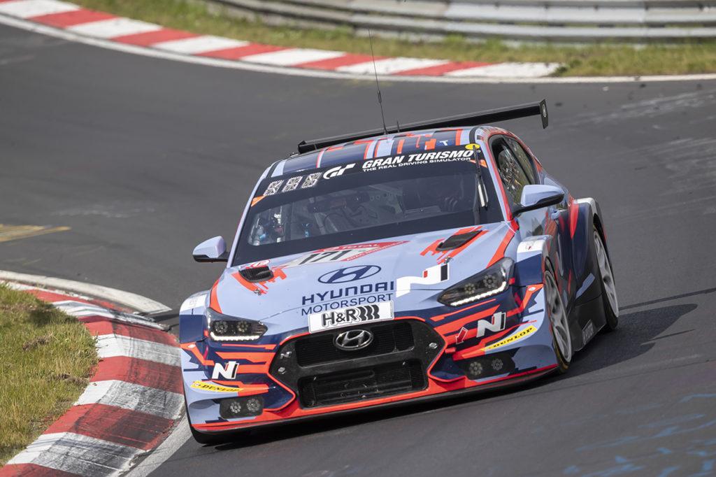 Hyundai sfiora la vittoria di classe alla 24 Ore del Nurburgring ma centra un doppio podio