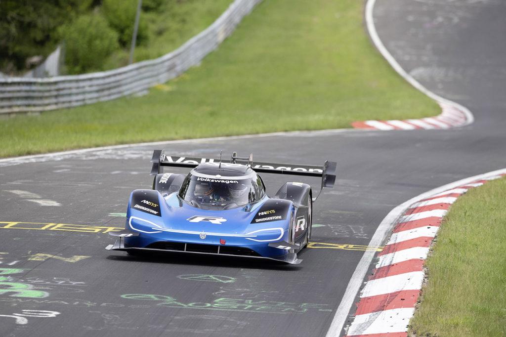 Volkswagen I.D. R, le dichiarazioni dopo il giro record al Nurburgring Nordschleife [VIDEO]