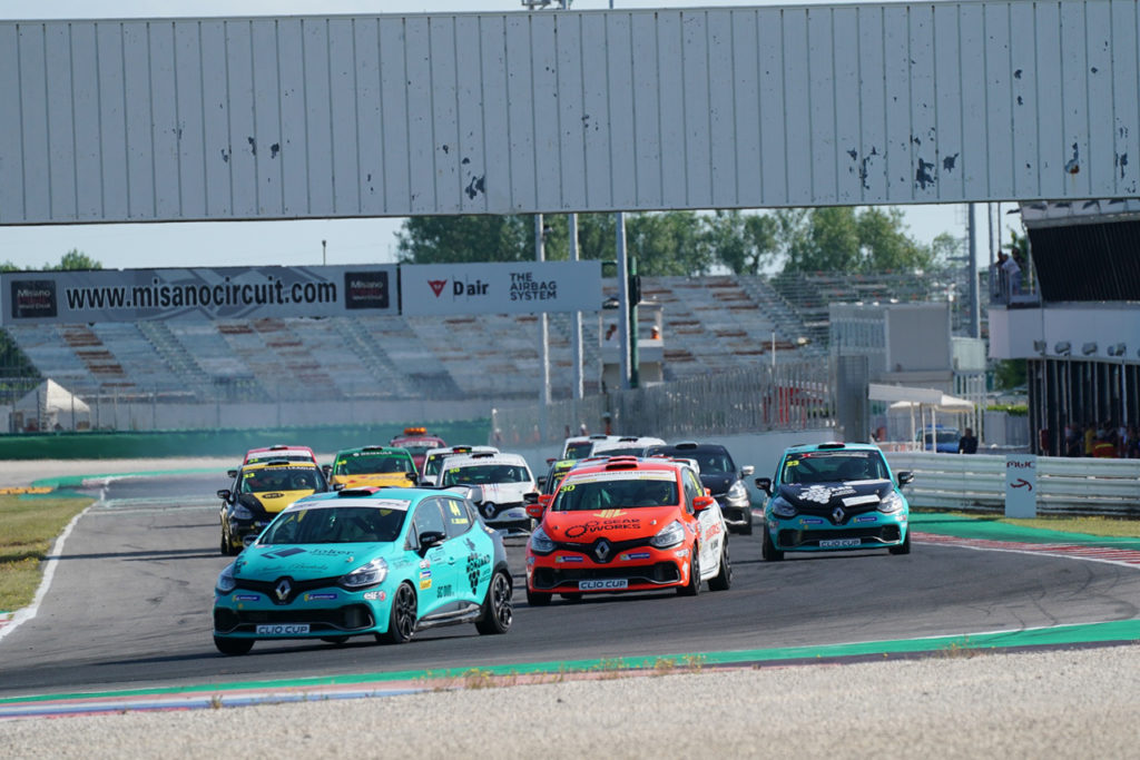 Clio Cup Italia | Altra doppietta di Jelmini a Misano, Mauriello in pista per Motorionline