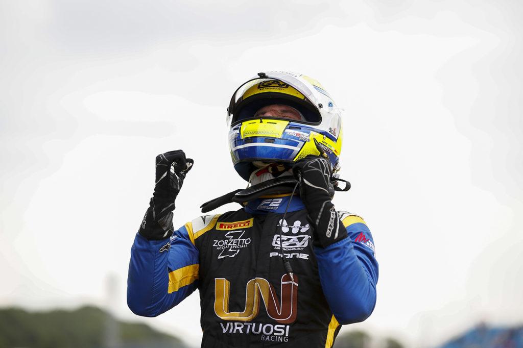 FIA F2 | Silverstone, Gara 1: ritorno di forza di Ghiotto, de Vries resta leader