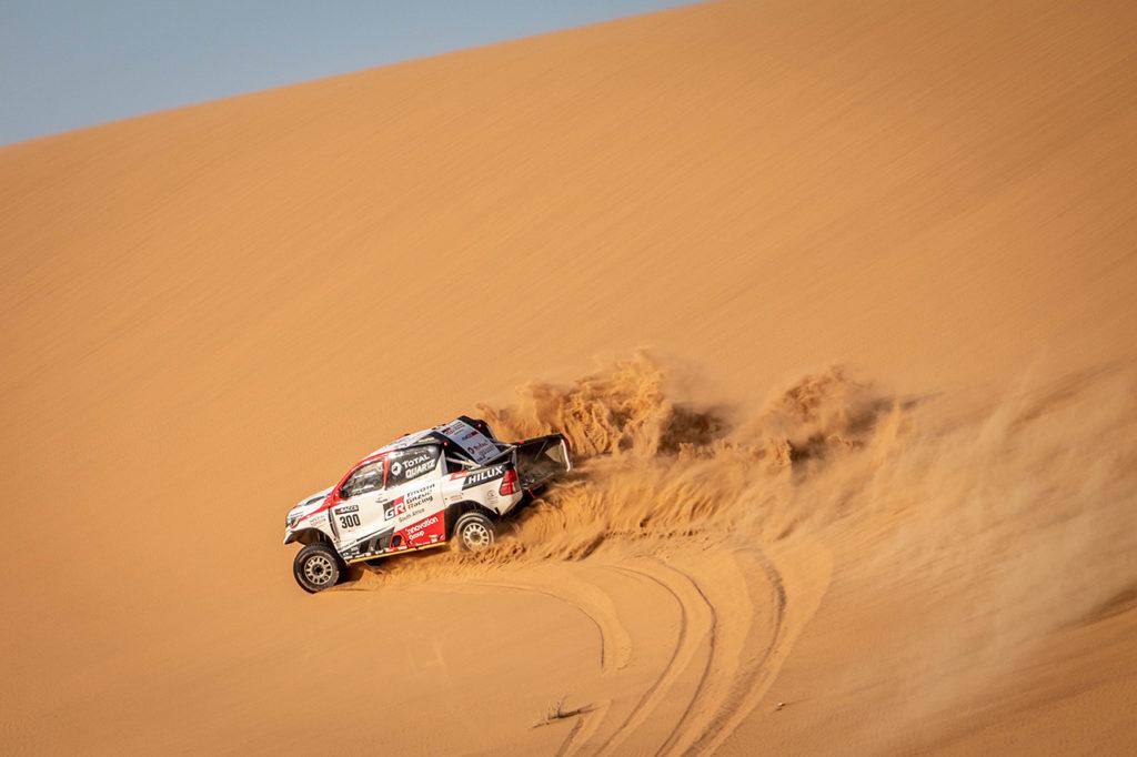 Dakar | Alonso completa con successo i test in Namibia a bordo del Toyota Hilux