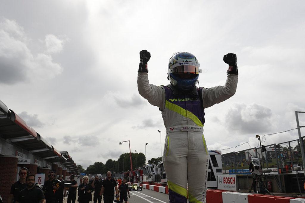 W Series | Brands Hatch, Gara: vittoria alla Powell, titolo alla Chadwick