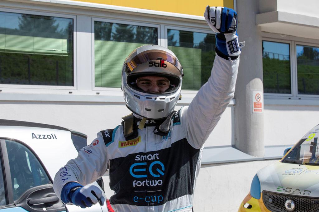 smart EQ fortwo e-cup | Vallelunga, Gara 1 e 2: gran doppietta di Azzoli