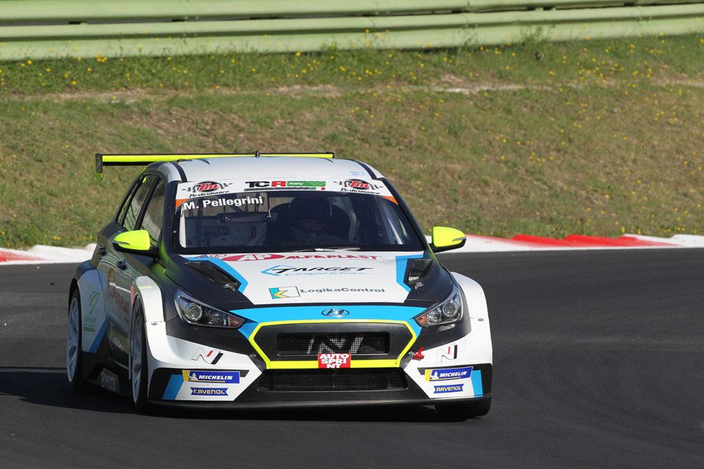TCR Italy | Vallelunga, Qualifiche: Pellegrini il più veloce, ma la pole è di Mugelli!