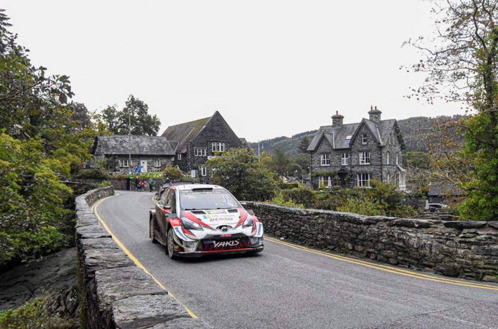 WRC | Rally Galles 2019, prima mattinata: Meeke saldamente al comando davanti a Neuville. Smacco per Evans