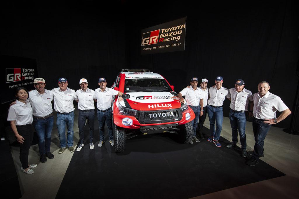Dakar | Toyota presenta la propria line-up, ufficiale Alonso