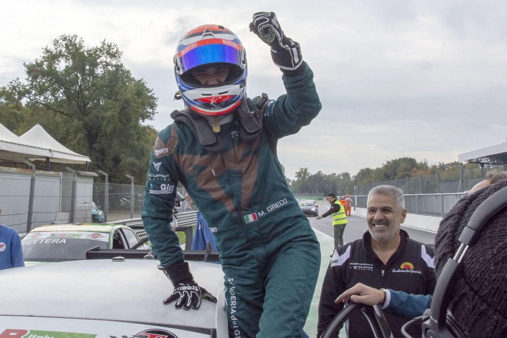 TCR Italy | Cupra domina a Monza con Greco in Gara 2. Scalvini vince il titolo DSG