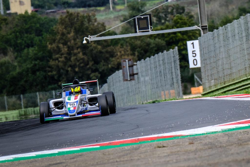 FIA Motorsport Games | F4 Cup, Main Race: rivincita di Rosso, Italia campione